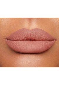 Charlotte Tilbury - LIP CHEAT - Lip liner - pillowtalk - 1