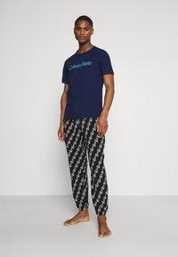 Calvin Klein Underwear - COMFORT CREW NECK - Pyjama top - blue - 1