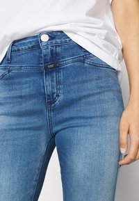 CLOSED - PUSHER - Jeans Skinny Fit - mid blue - 4
