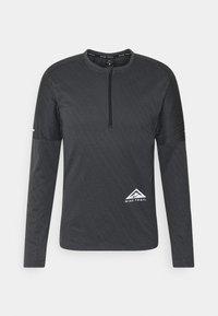 Nike Performance - TRAIL - Camiseta de deporte - black/dark smoke grey - 5