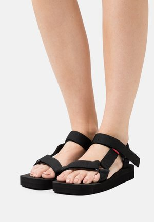 CADYS LOW - Platform sandals - regular black