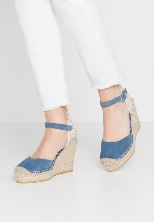 High heeled sandals - azul