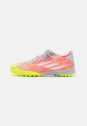 X SPEEDFLOW.3 TF UNISEX - Astro turf trainers - clear onix/footwear white/solar yellow