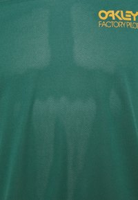 Oakley - CASCADE TRAIL TEE - Print T-shirt - bayberry - 2