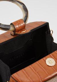 Topshop - GAZE GRAB - Håndtasker - orange - 4
