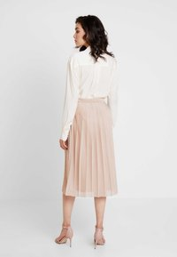 Great Plains London - PIA PLEATS - A-line skirt - gold - 2