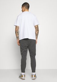 Kings Will Dream - PAULIE SMART JOGGERS - Trousers - charcoal check - 2
