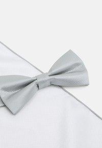 Pier One - SET - Bow tie - grey - 5