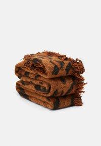 ONLY - ONLSPARKLING LIFE LEO SCARF - Schal - ginger bread - 1