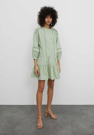 Shirt dress - grün