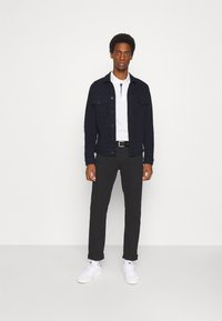 GAP - Straight leg jeans - true black - 1