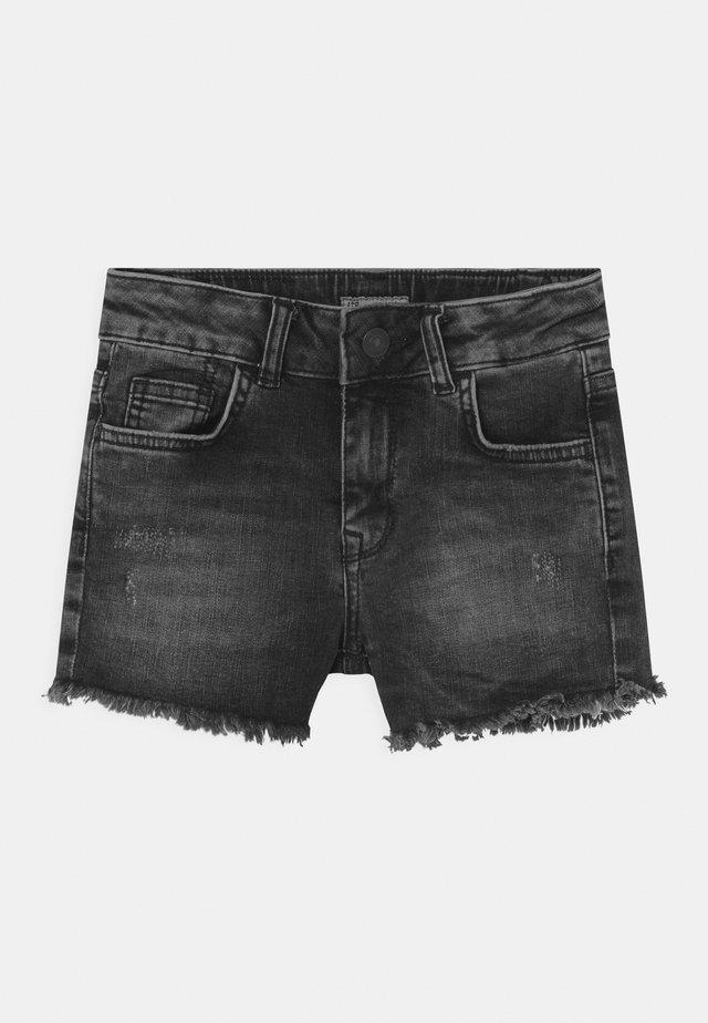 PAMELA - Denim shorts - dias wash