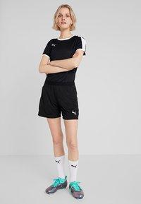 Puma - LIGA TRAINING SHORTS  - Sports shorts - black/white - 1