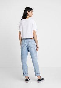 Nike Sportswear - TEE - Triko spotiskem - white/black - 2