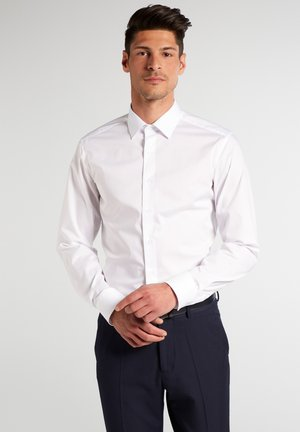 SLIM FIT - Finskjorte - white