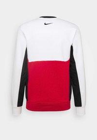 Nike Sportswear - AIR CREW - Sweatshirt - white/university red/black - 1