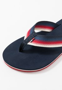 Tommy Jeans - SUSTAINABLE BEACH - Sandalias de dedo - twilight navy - 2