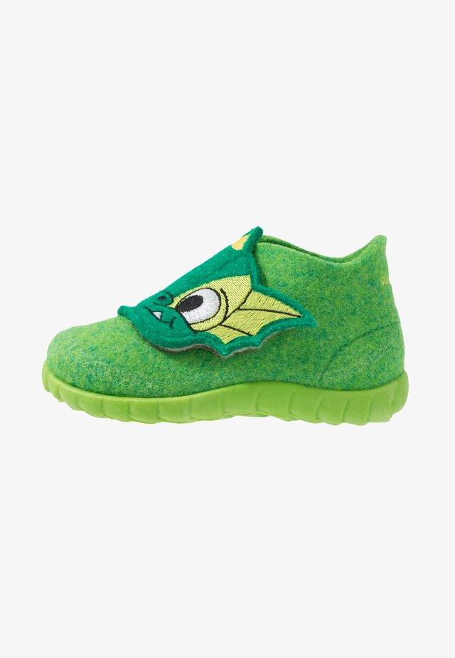 HAPPY - Slippers - grün