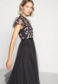 Needle & Thread - ROCOCO BODICE MAXI DRESS EXCLUSIVE - Společenské šaty - champagne/black - 5