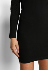 Even&Odd - BASIC - OFF-SHOULDER MINI LONG SLEEVES DRESS - Pouzdrové šaty - black - 5