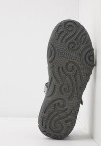 Teva - Walking sandals - silver/magenta - 5
