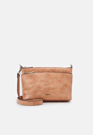 CROSSBODY BAG SOPHIE - Across body bag - pink