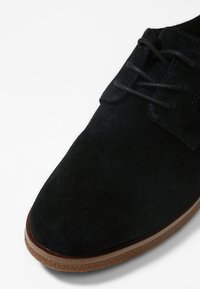 Clarks - GRIFFIN LANE - Veterschoenen - black - 6