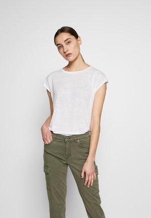 FAYLINN - Basic T-shirt - pure white