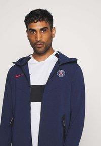 Nike Performance - PARIS ST GERMAIN HOODIE - Club wear - midnight navy/university red - 3