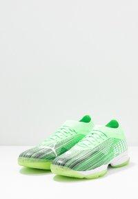 Puma - ADRENALITE 1.1 - Scarpe da pallamano - elektro green/black/white - 2