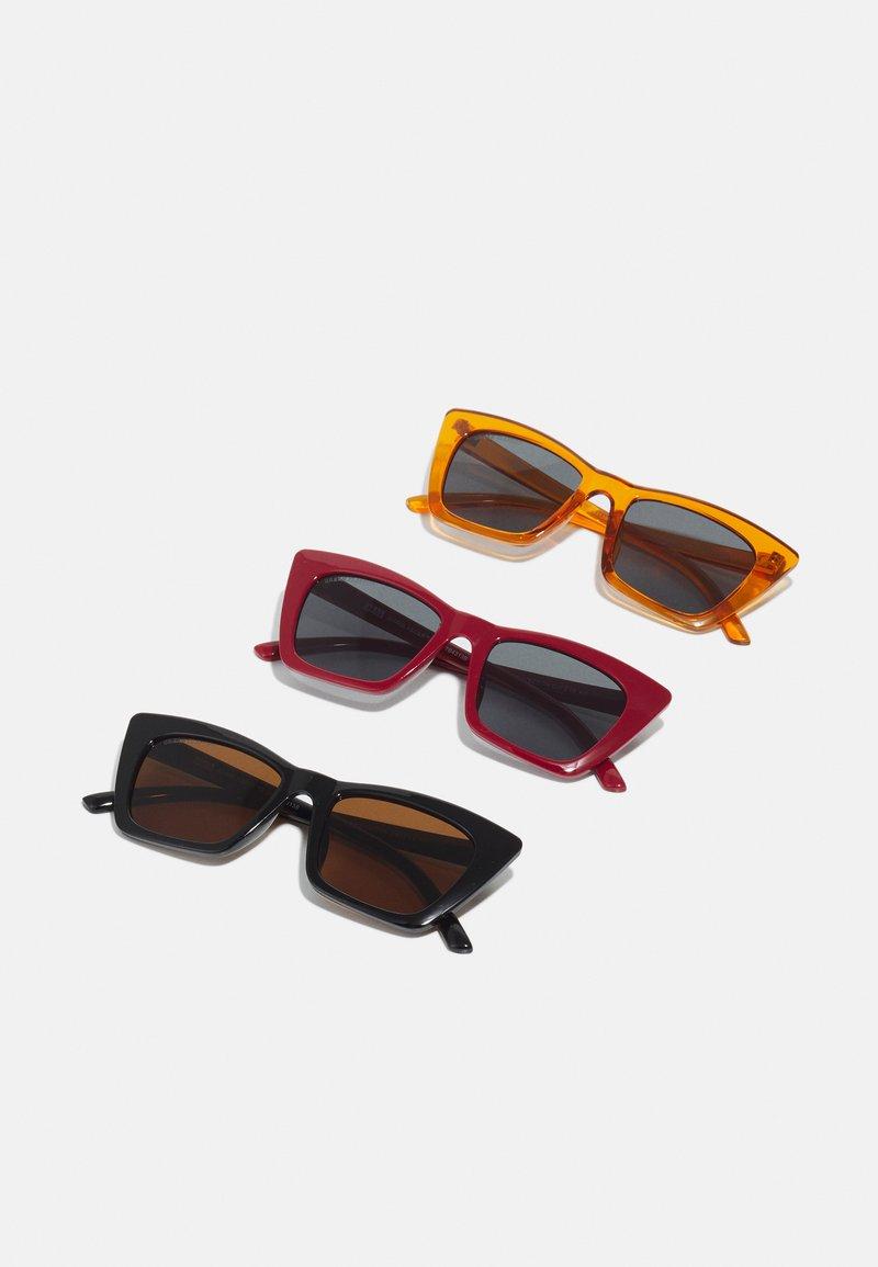 Urban Classics - SUNGLASSES TILOS 3 PACK UNISEX - Occhiali da sole - dark red/black/orange