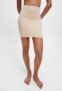 Calvin Klein - INVISIBLES - Shapewear - bare - 0
