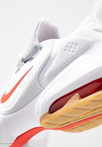 Nike Performance - AIR MAX ALPHA SAVAGE - Sports shoes - wolf grey/habanero red/pure platinum/white - 5