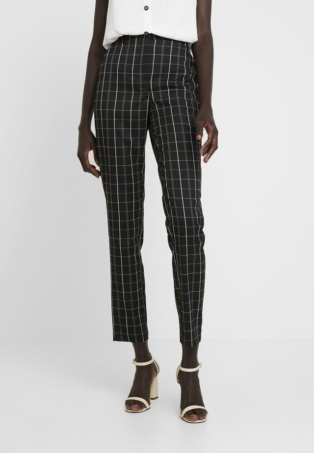 VMCARNIE SELMA ANCLE PANT - Pantalones - black