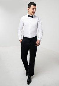 dobell - Formal shirt - white - 1