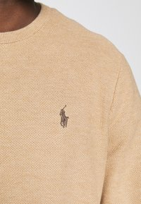 Polo Ralph Lauren - COTTON MESH CREWNECK SWEATER - Trui - camel melange - 5