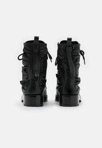 Red V - COMBAT BOOT - Botines con cordones - nero - 3