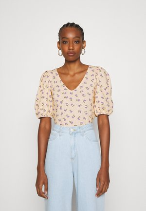 MALENA - Basic T-shirt - yellow