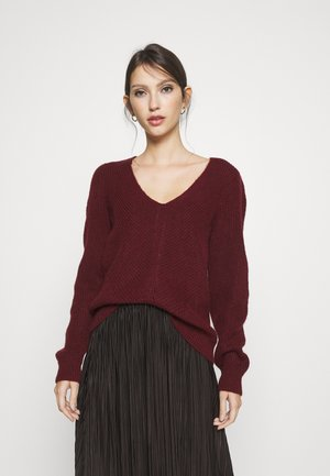 ONLJADA V NECK - Jumper - pomegranate/black melange