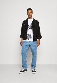 Levi's® - CARPENTER - Jeans baggy - antifreeze - 1