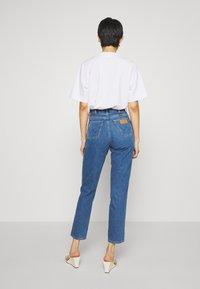 Wrangler - MOM  - Straight leg jeans - summer breeze - 2