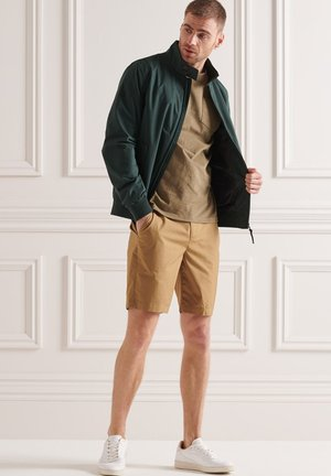 HARRINGTON - Korte jassen - forest green
