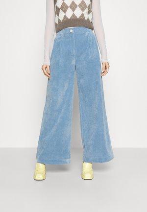 ANNIE PANTS - Spodnie materiałowe - faded denim