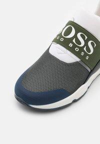 BOSS Kidswear - TRAINERS - Sneaker low - khaki - 5