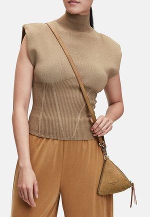 Across body bag - caramel (brown)