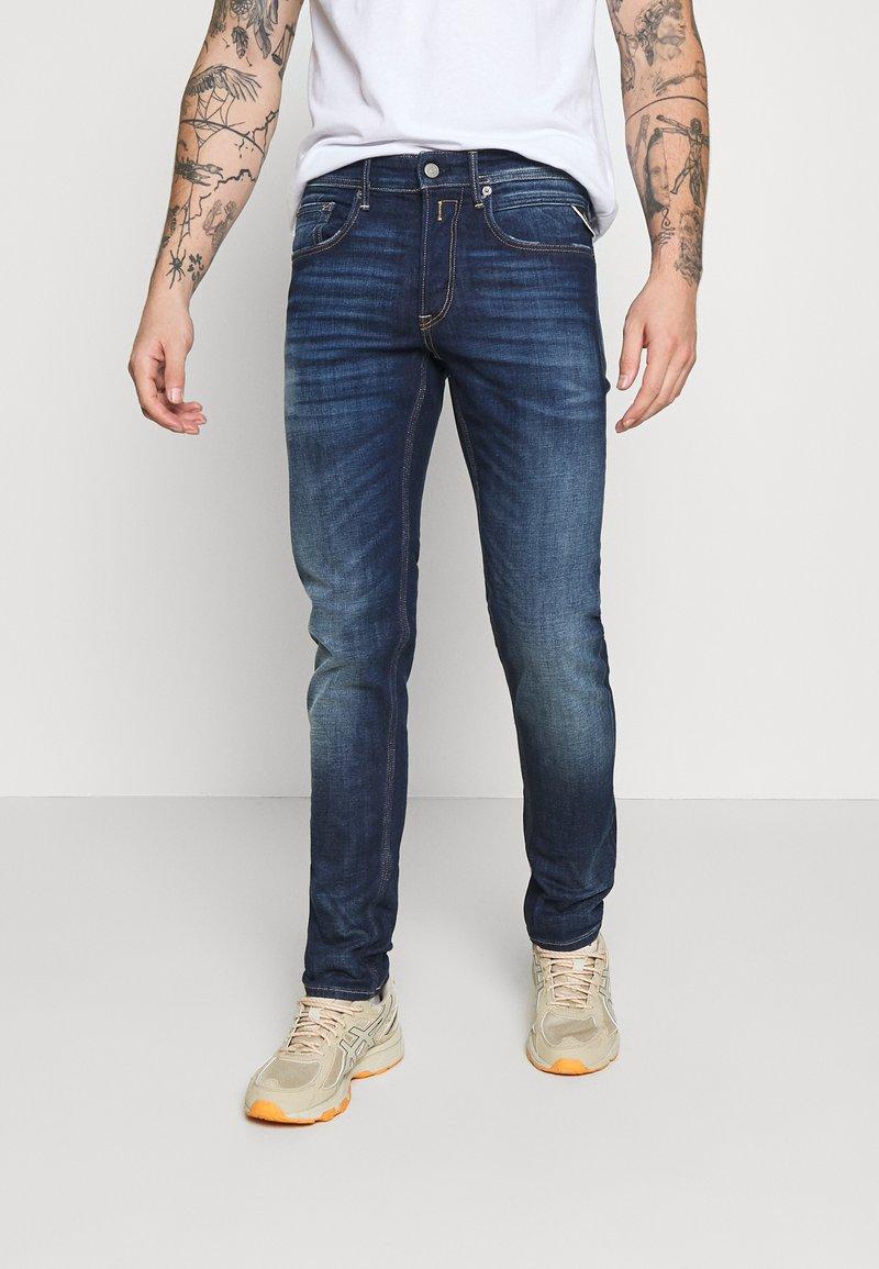 Replay - WILLBI - Jeans Tapered Fit - dark blue