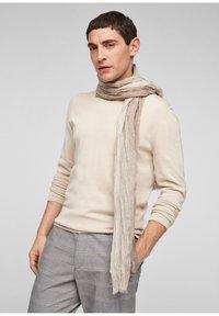 s.Oliver - Scarf - beige stripes - 1