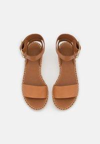 Billi Bi - Korkeakorkoiset sandaalit - cognac - 5