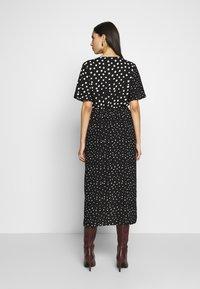 Dorothy Perkins Tall - MIX AND MATCH SPOT MANIPULATED WAIST DRESS - Day dress - black - 0