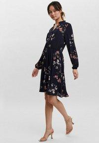 Vero Moda - COURTES - Day dress - marine - 1